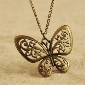NEW💙💎🦋BEAUTIFUL BRONZE BUTTERFLY NECKLACE🦋💎💙